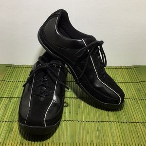Clarks Walking Shoes, Style 72311, Womens Size 7.5